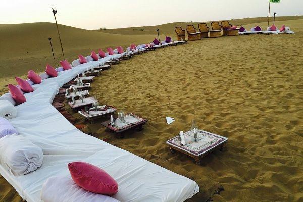 Jaisalmer Jeep Safari with Buffet Dinner, Dance and Transfers